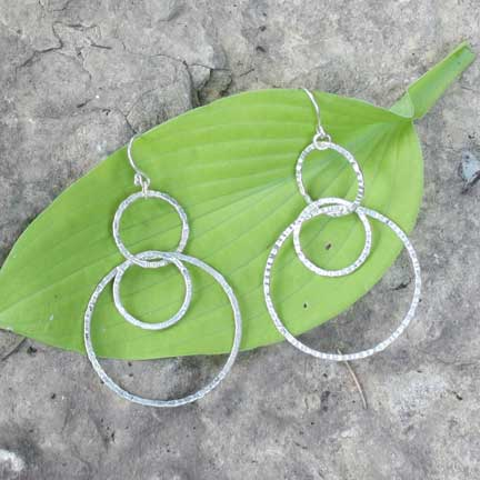 Rippled Links Earrings