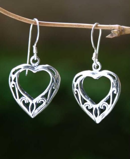 sterling_silver_heart_earrings