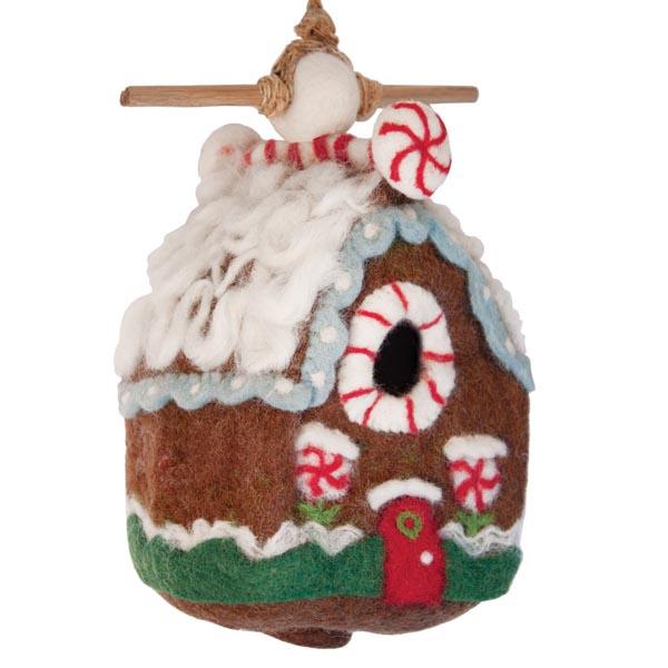 gingerbread-chalet-birdhouse